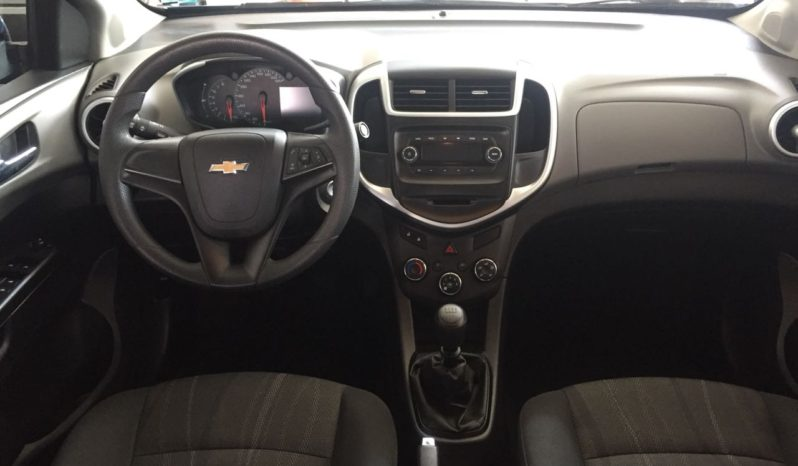 Usados Chevrolet Sonic LT Manual Sedán completo